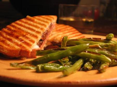 Paninni_and_green_beans_1